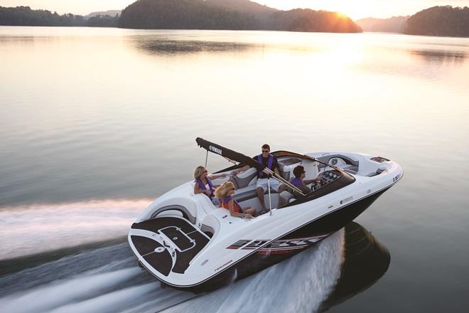 Yamaha_boat_018v2